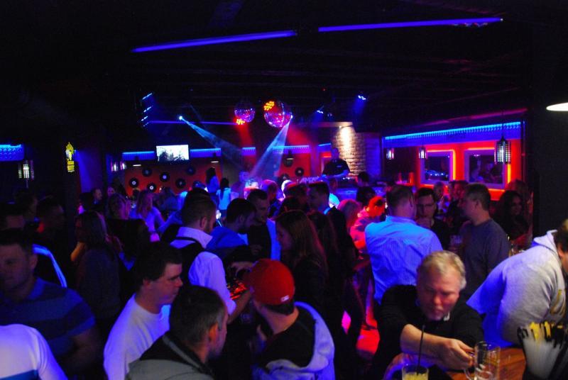 Amigos Music Bar